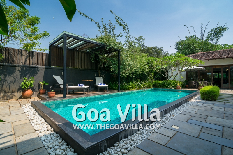 Luxury villa for rent in arpora villa caesar with swimming pool 2068 for Guest house in goa with swimming pool
