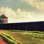 @instagram: Fort Aguada - Sinquerim - Candolim - Goa This Portuguese built Fort was named from the Portuguese word meaning 'water' because of the natural springs within its walls. Standing on the shores of River Mandovi this 17th Century Fort is a major landmark in G
