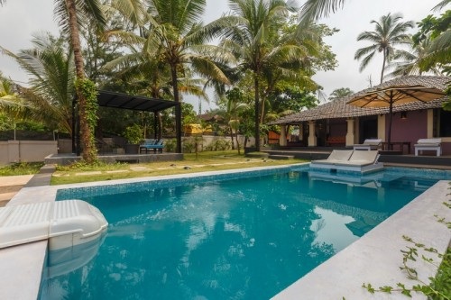 Calangute beachfront villa with private pool