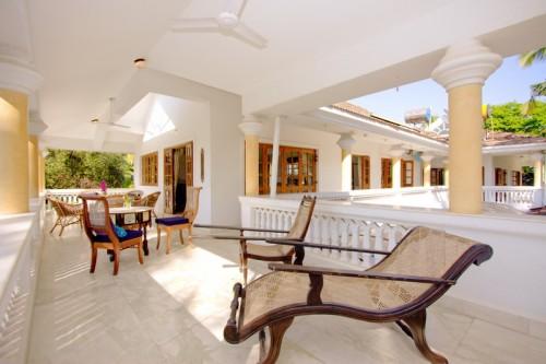 Luxury villa for rent in candolim villa garden grove for Garden grove pool service