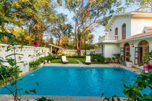 Luxury prestige villa with private swimming pool
