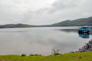 Chapoli Dam: wonderful lake in foothills
